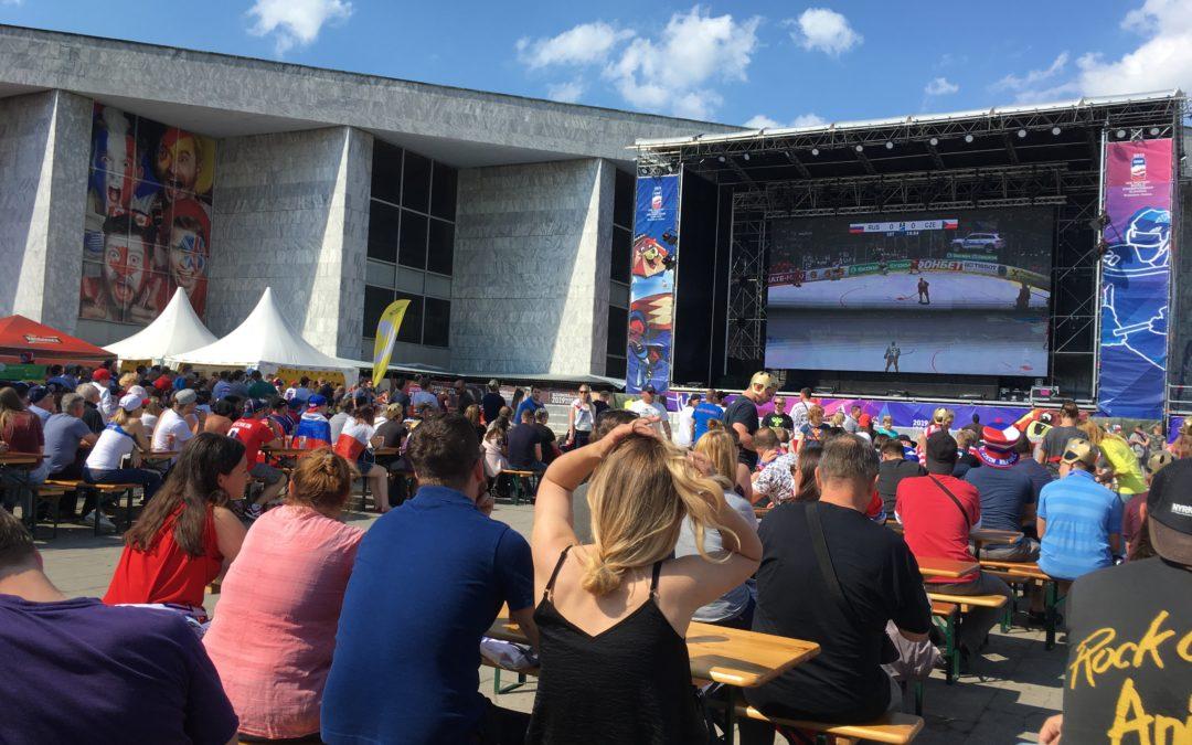 Bezkontaktní ( cashless ) placení ve fanzónách na MS v hokeji 2019 na Slovensku